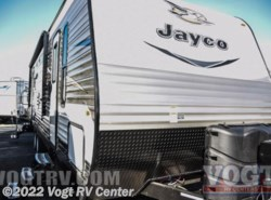 New 2017  Jayco Jay Flight 28RLS by Jayco from Vogt RV Center in Ft. Worth, TX