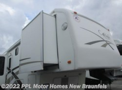 Used 2004  Carriage Carri-Lite 36XTRM5 by Carriage from PPL Motor Homes in New Braunfels, TX