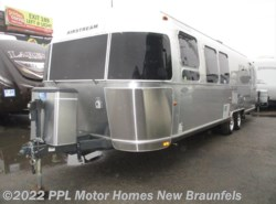 Used 2012 Airstream Flying Cloud 30 available in New Braunfels, Texas