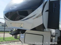 Used 2015 Keystone Avalanche 331RE available in Cleburne, Texas