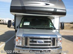 Used 2015  Forest River Sunseeker 3170DS by Forest River from PPL Motor Homes in Cleburne, TX