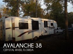 Used 2011  Keystone Avalanche 330 RE