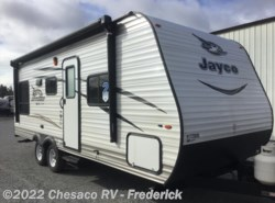 New 2017  Jayco Jay Flight SLX 212QBW by Jayco from Chesaco RV in Frederick, MD