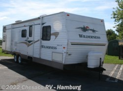 Used 2004  Fleetwood  fleetwood wilderness 320dbhs by Fleetwood from Chesaco RV in Shoemakersville, PA