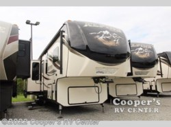 New 2017  Keystone Alpine 3500RL by Keystone from Cooper's RV Center in Apollo, PA