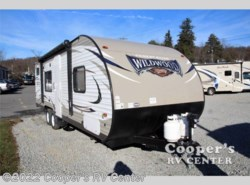 New 2017  Forest River Wildwood X-Lite 261BHXL by Forest River from Cooper's RV Center in Apollo, PA