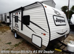 New 2017  Jayco Jay Flight SLX 195RB Front Queen Rear Corner Bath by Jayco from White Horse RV Center in Williamstown, NJ