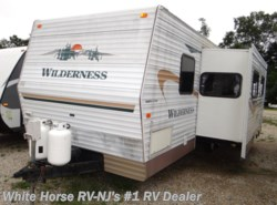 Used 2004 Fleetwood Wilderness 270FQS Slide available in Williamstown, New Jersey
