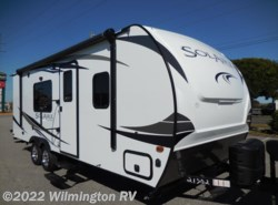 New 2017  Palomino Solaire 211 BH by Palomino from Wilmington RV in Wilmington, NC