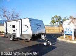 New 2017  CrossRoads Z-1 Lite ZR 18 BH by CrossRoads from Wilmington RV in Wilmington, NC