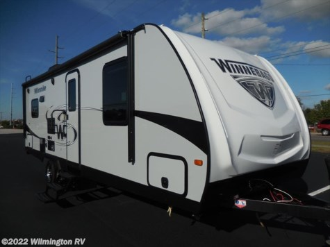 2019 Winnebago Minnie 2500RL/New Front Cap