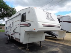 Used 2005  Fleetwood Prowler 2952 BS by Fleetwood from Winnebago Motor Homes in Rockford, IL