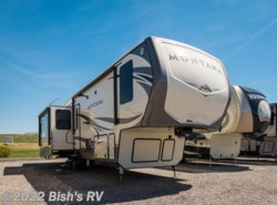 New 2017  Keystone Montana 3720RL by Keystone from Bish's RV Supercenter in Idaho Falls, ID