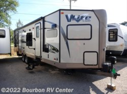 Used 2015  Forest River Flagstaff V-Lite 30WFKSS by Forest River from Bourbon RV Center in Bourbon, MO