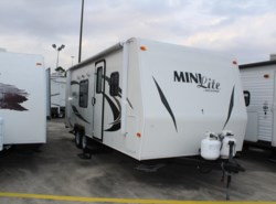 Used 2012  Forest River Rockwood Mini Lite 2304 by Forest River from Camperland Trailer Sales in Conroe, TX