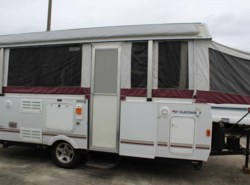 Used 2008  Fleetwood Highlander Niagara by Fleetwood from Camperland Trailer Sales in Conroe, TX