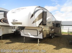 Used 2015  Keystone Cougar XLite 29RET by Keystone from Capital RV Center, Inc. in Bismarck, ND