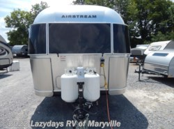 New 2017  Airstream International Signature 25FB Twin by Airstream from Chilhowee RV Center in Louisville, TN