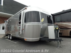 Used 2014  Airstream International Signature 25FB Onyx Edition by Airstream from Colonial Airstream & RV in Lakewood, NJ