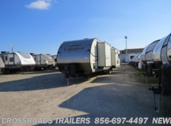 Used 2015  Coachmen Catalina 333RETS by Coachmen from Crossroads Trailer Sales, Inc. in Newfield, NJ