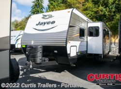 Used 2017  Jayco Jay Flight 32TSBH by Jayco from Curtis Trailers in Portland, OR