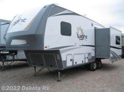 New 2017  Highland Ridge Light LF268TS
