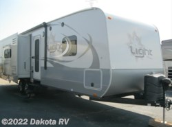 Used 2016  Highland Ridge Light LT272RLS