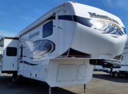 Used 2011  Keystone Montana 3400RL by Keystone from Diamond RV Centre, Inc. in West Hatfield, MA