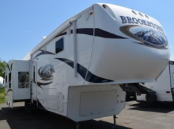 Used 2010  Coachmen Brookstone 346SA by Coachmen from Diamond RV Centre, Inc. in West Hatfield, MA