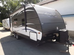 Used 2017  Dutchmen Aspen Trail 1900RB by Dutchmen from Diamond RV Centre, Inc. in West Hatfield, MA
