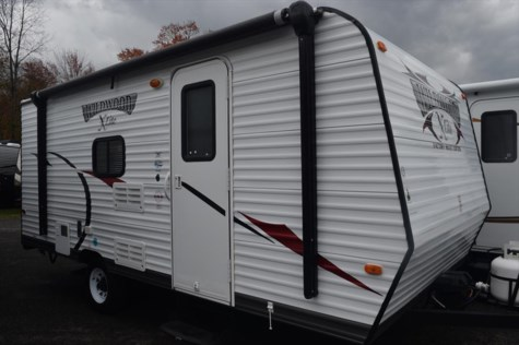 2013 Forest River Wildwood X-Lite 195BH