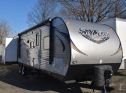Used 2015  Forest River Salem T31KQBTS by Forest River from Diamond RV Centre, Inc. in West Hatfield, MA
