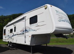 Used 2003 Keystone Montana 325RL available in West Hatfield, Massachusetts