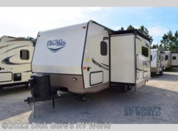 Used 2017  Forest River Flagstaff Micro Lite 25BHS by Forest River from Dick Gore's RV World in Jacksonville, FL