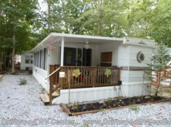 Used 2001  Breckenridge  840CBFDN by Breckenridge from Driftwood RV Center in Clermont, NJ