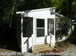 Used 2005  Breckenridge  1238SS2BR by Breckenridge from Driftwood RV Center in Clermont, NJ