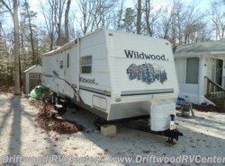 Used 2006  Forest River Wildwood 30BHBS by Forest River from Driftwood RV Center in Clermont, NJ