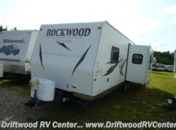 Used 2013  Forest River Rockwood 2604WS by Forest River from Driftwood RV Center in Clermont, NJ