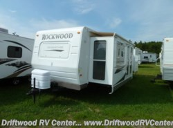 Used 2009  Forest River Rockwood 8319SS by Forest River from Driftwood RV Center in Clermont, NJ