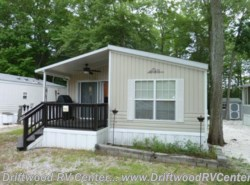 Used 2004  Breckenridge  1238SS2BR by Breckenridge from Driftwood RV Center in Clermont, NJ