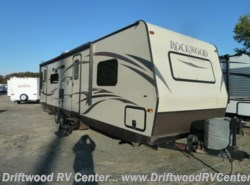 Used 2014  Forest River Rockwood 2904SS by Forest River from Driftwood RV Center in Clermont, NJ
