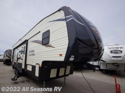 New 2018  Palomino Puma Unleashed 373QSI by Palomino from All Seasons RV in Muskegon, MI