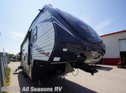 New 2018  Palomino Puma 253FBS by Palomino from All Seasons RV in Muskegon, MI