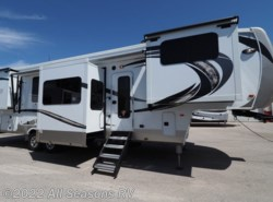 New 2018  Palomino Columbus 389FL by Palomino from All Seasons RV in Muskegon, MI