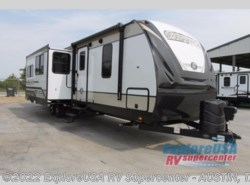 New 2018  Cruiser RV Radiance Ultra Lite 32BH by Cruiser RV from ExploreUSA RV Supercenter - KYLE, TX in Kyle, TX