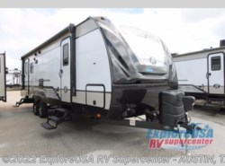 New 2018  Cruiser RV Radiance Ultra Lite 25RL by Cruiser RV from ExploreUSA RV Supercenter - KYLE, TX in Kyle, TX