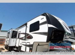 New 2018  Dutchmen Voltage V3805 by Dutchmen from ExploreUSA RV Supercenter - BOERNE, TX in Boerne, TX