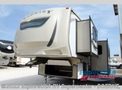 Used 2016  CrossRoads Hill Country HCF29BH by CrossRoads from ExploreUSA RV Supercenter - BOERNE, TX in Boerne, TX