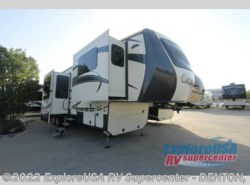 New 2017 CrossRoads Cameo CM38FL available in Denton, Texas