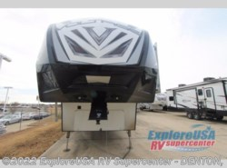 New 2017  Dutchmen Voltage V4005 by Dutchmen from ExploreUSA RV Supercenter - DENTON, TX in Denton, TX